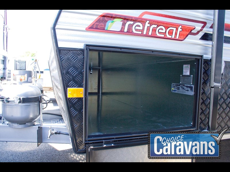 retreat caravans fraser 210r 453183 055