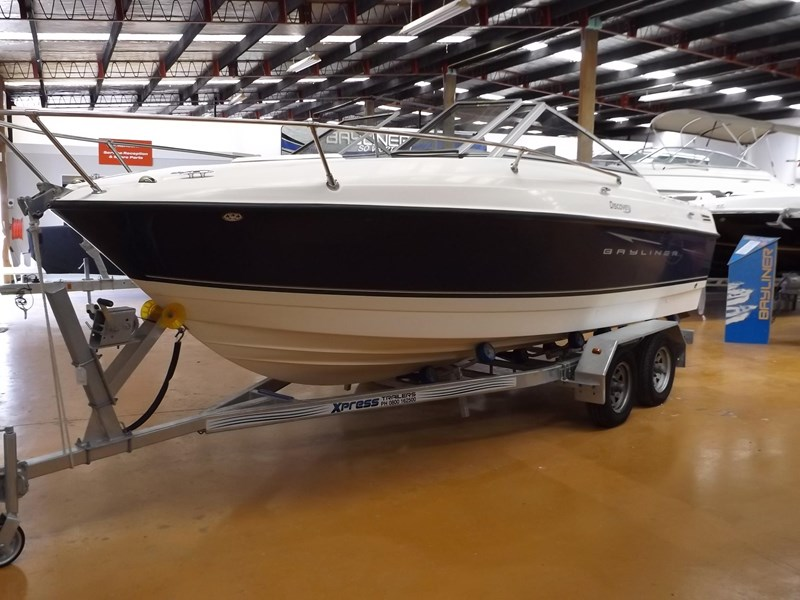 bayliner 192 discovery cuddy cabin 457745 003