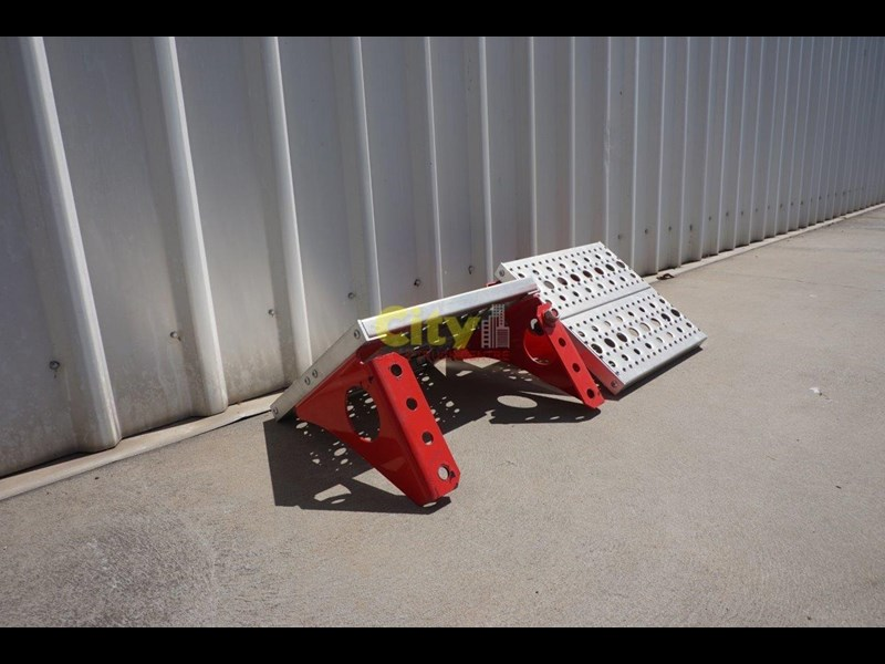 other chassis steps - excellent condition. 457797 011