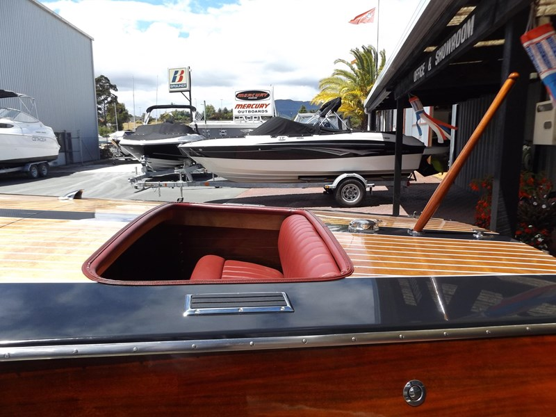 biscayne 18 classic runabout 458589 027