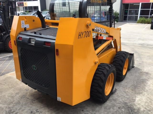 hysoon skid steer loader 700kg swl w/ air con 90988 003