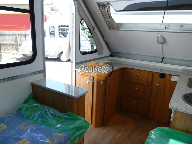 avan camper cruiseliner 5 - single beds 379805 007