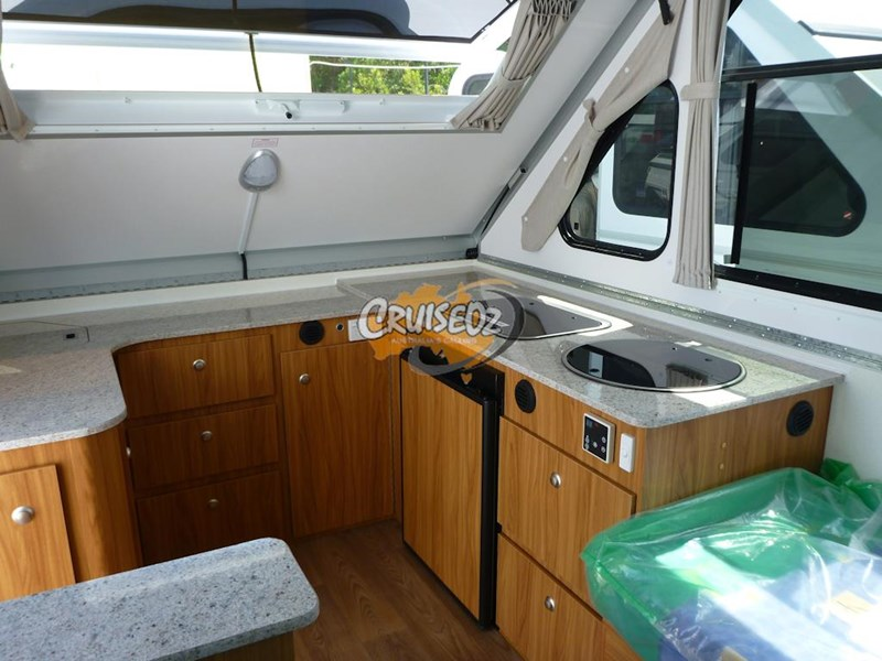 avan camper cruiseliner 5 - single beds 379805 009