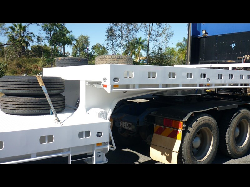 russell heale tri axle drop deck price excludes gst 461323 005