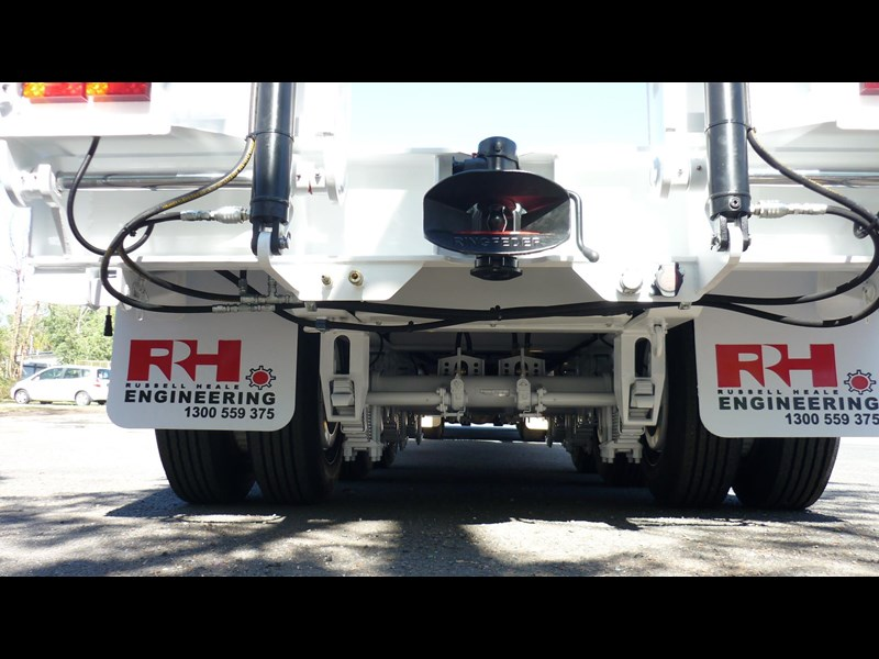 russell heale tri axle drop deck price excludes gst 461323 017