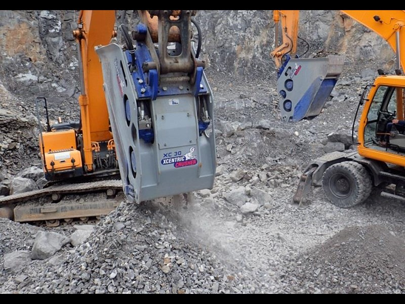 xcentric xc20 crusher bcukets rent-try-buy 461495 013