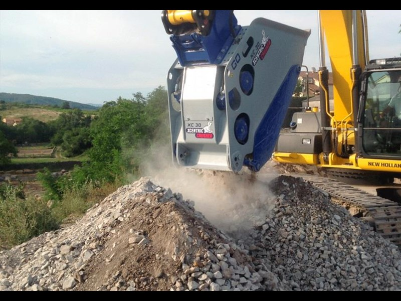 xcentric xc20 crusher bcukets rent-try-buy 461495 015