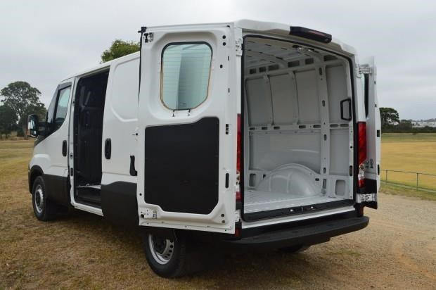 iveco daily 35s13 421211 007