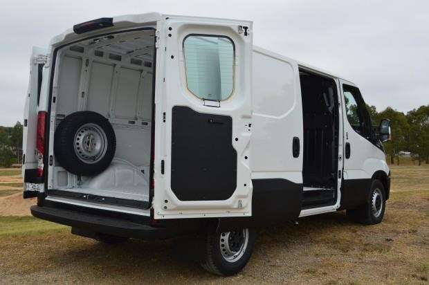 iveco daily 35s13 421211 009