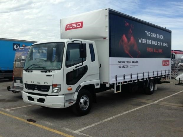 fuso fighter 1024 434415 013