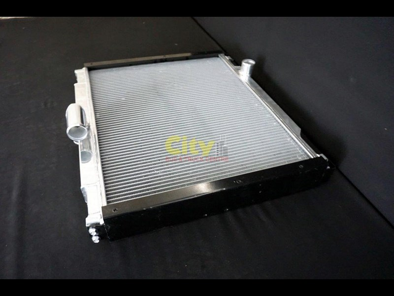 mitsubishi rosa bus radiator assembly with core 467935 009