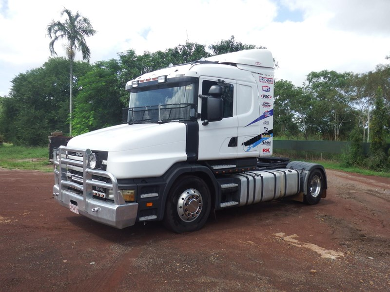 scania t124 470141 001