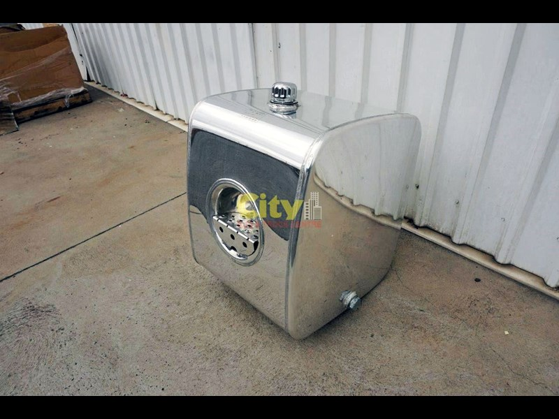 hydraulic oil tanks new kenworth polished alloy hyd oil tank 440048 011