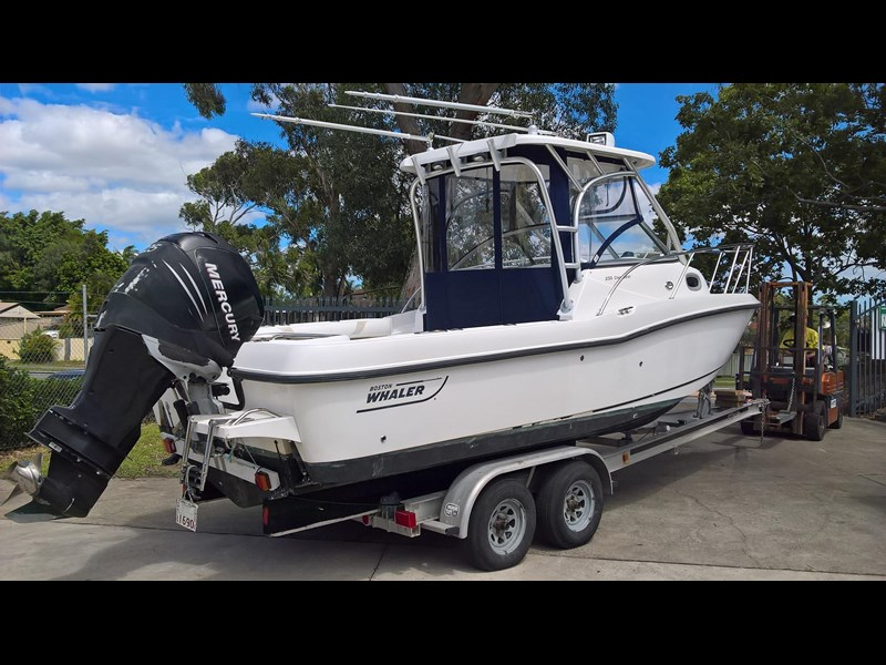 boston whaler 235 conquest 473198 003