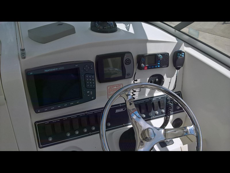 boston whaler 235 conquest 473198 015