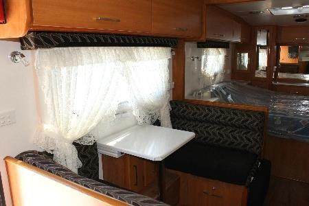 retreat caravans mabel 474022 019