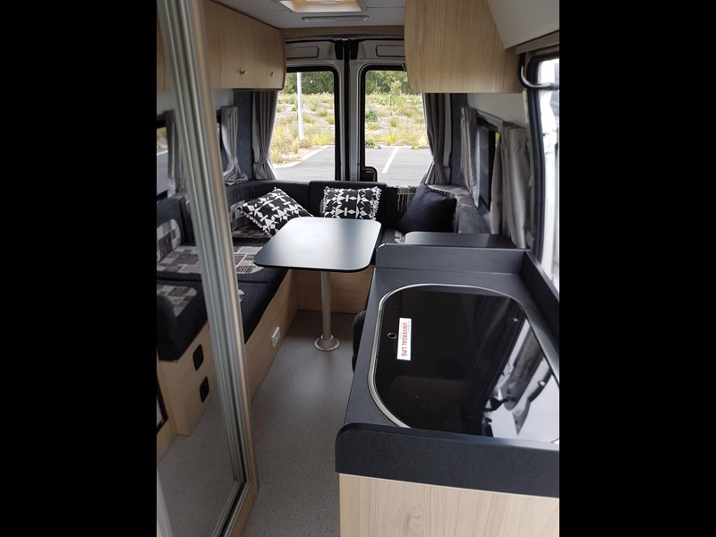 "ldv u-shape ""customise your campervan"" 474409 011"