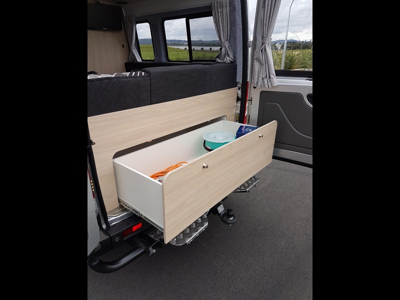 "ldv u-shape ""customise your campervan"" 474409 017"