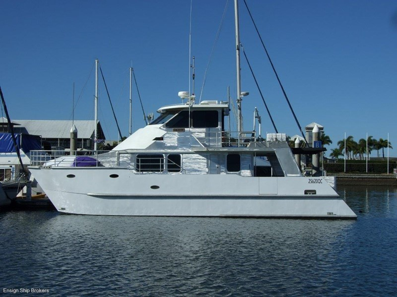 custom charter powercat 49' 324035 009