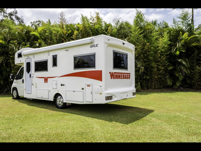 winnebago (apollo) airlie 480125 003