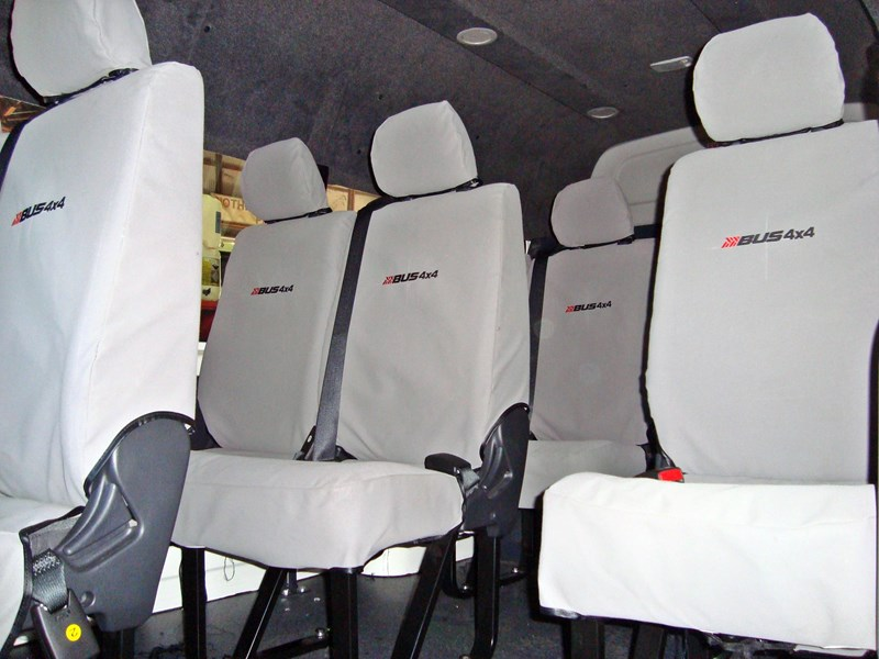 unknown bus 4x4 seat covers 496350 005