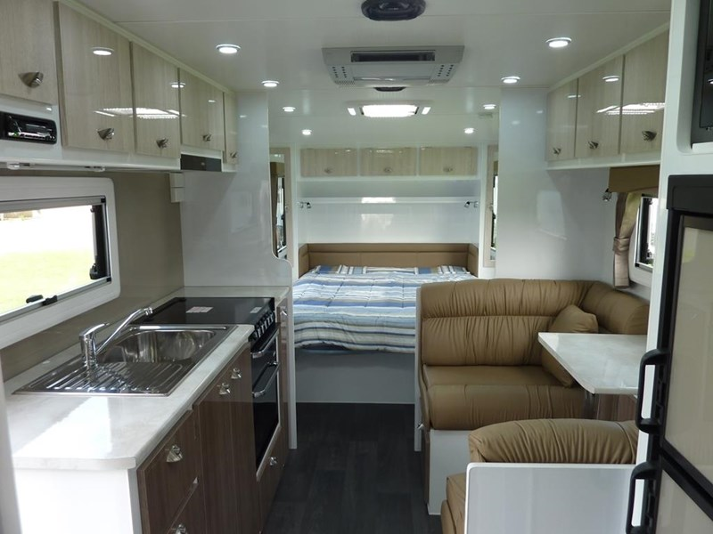 living edge bellagio - ensuite caravan 498010 011