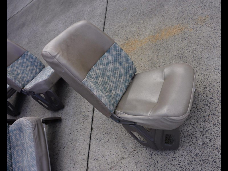 other mitsubishi rosa bus seats - 2nd hand 498317 005