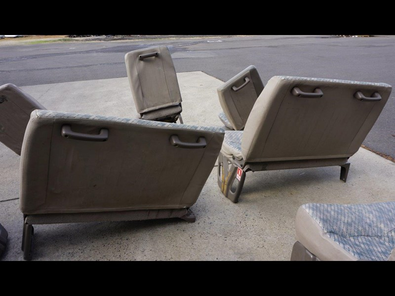 other mitsubishi rosa bus seats - 2nd hand 498317 011
