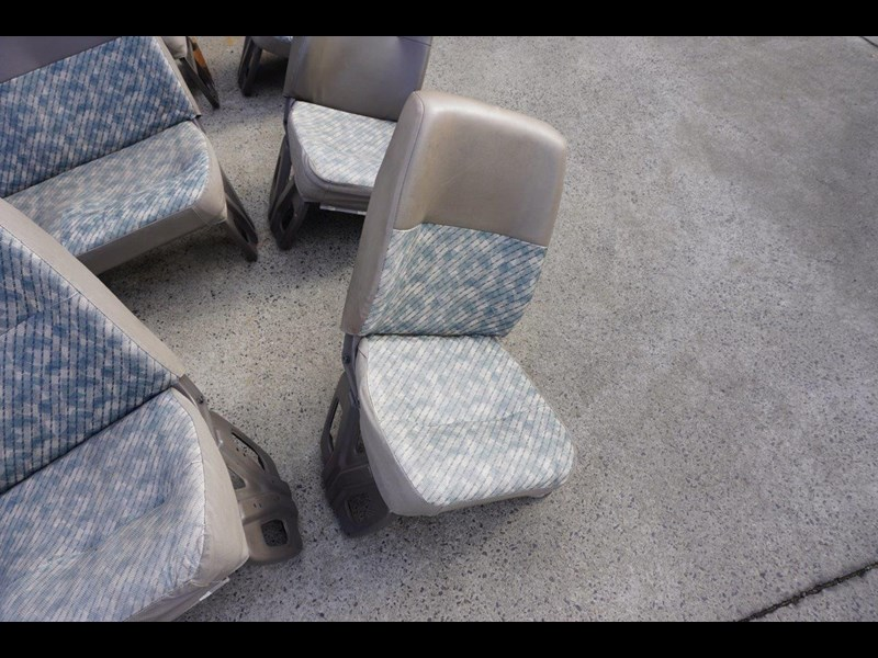 other mitsubishi rosa bus seats - 2nd hand 498317 013