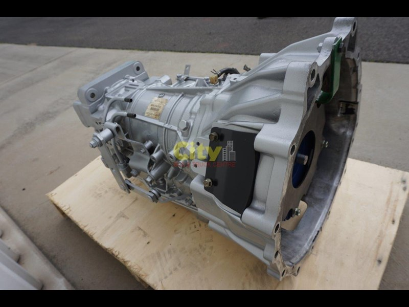 mitsubishi rosa bus automatic gearbox - reconditioned 498573 017