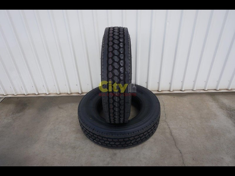 o'green 11r 22.5 closed shoulder 21mm deep tread drive tyre 499323 005