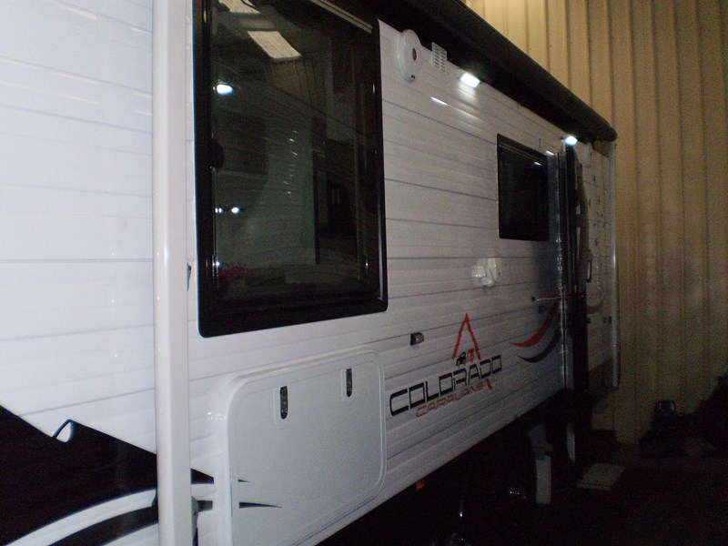 "colorado caravans 21'6"" summit ii  ensuite 353210 005"