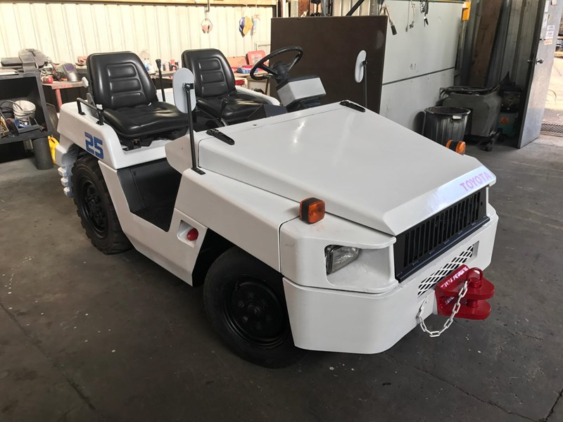 toyota td25 towing tractor 209814 009