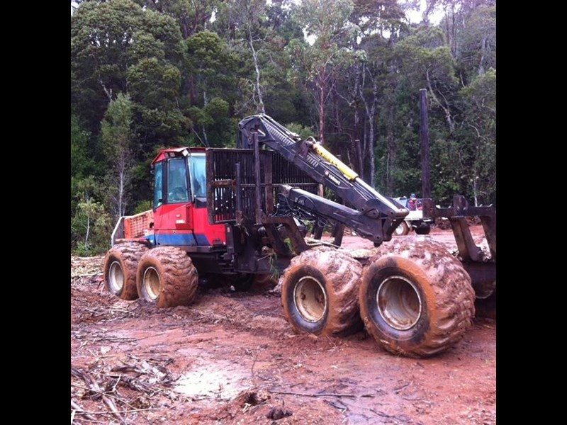 valmet 890-1 log forwarder 185302 015
