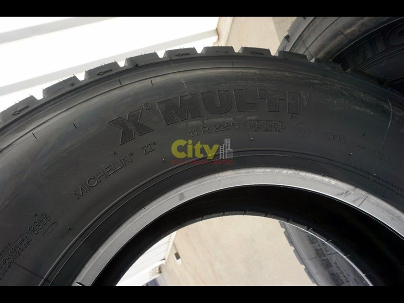 michelin 11r22.5 x multi drive tyre 503745 009