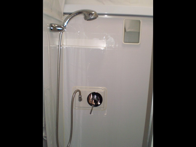 jayco sterling  shower/toilet 511062 025