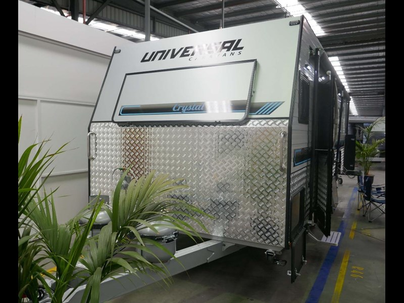 universal caravans crystal river slide out 514925 005