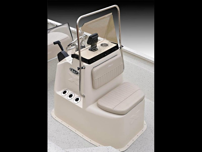 xpress boats h22b centre console fishing boat 516910 051