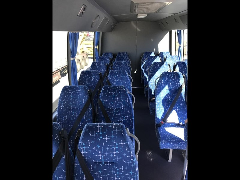 yutong 22 seat mini coach 494759 023