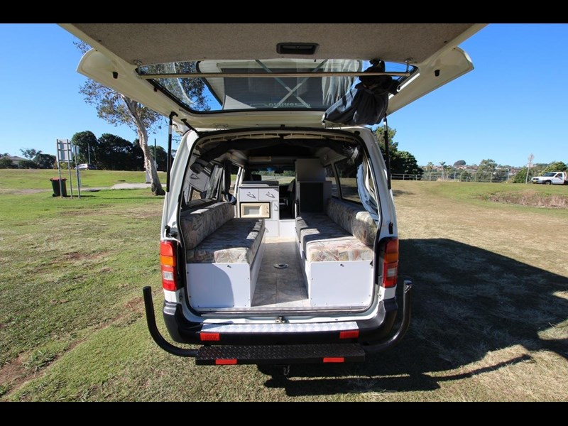toyota hiace twin bed sunliner automatic 518617 017