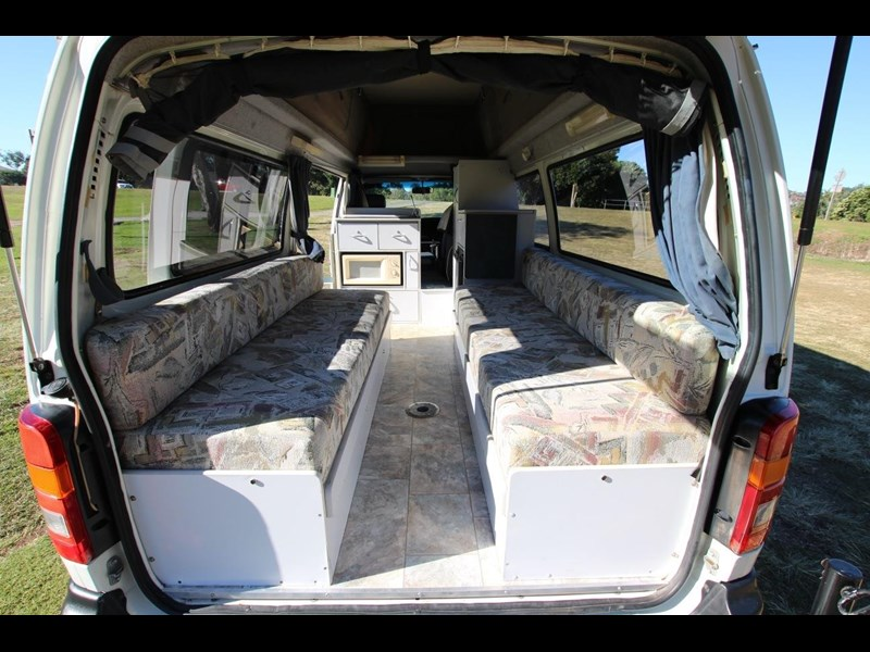 toyota hiace twin bed sunliner automatic 518617 021