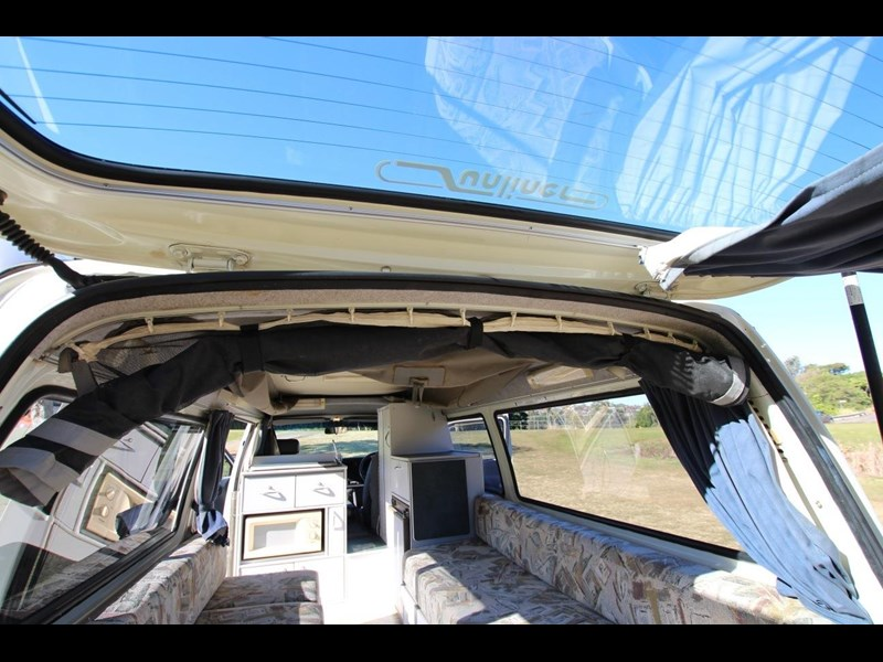 toyota hiace twin bed sunliner automatic 518617 041