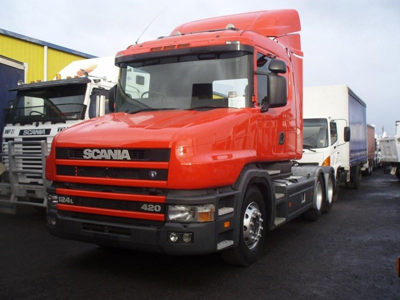 scania t124g 189133 009