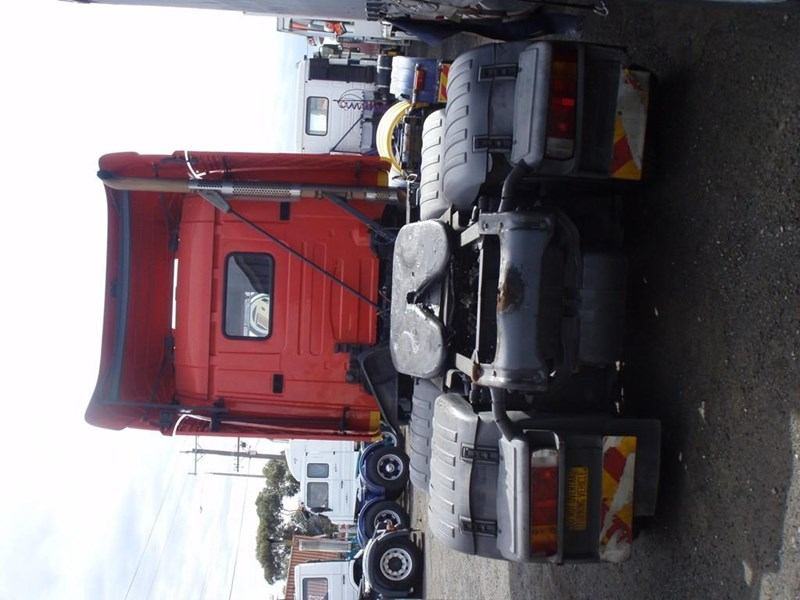 scania t124g 189133 013
