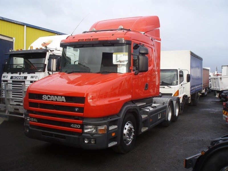 scania t124g 189133 033