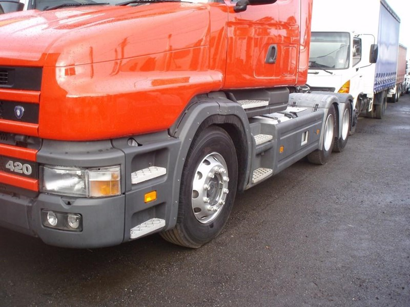 scania t124g 189133 041