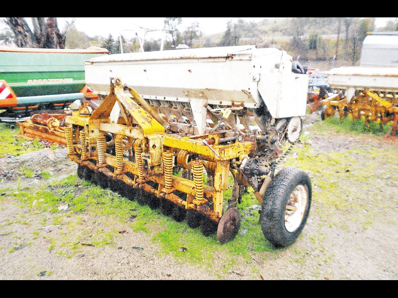 connor shea 7' coil tyne baker boot coulter seeder 520404 001