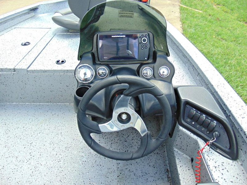 xpress boats x18 pro tournament bass fishing boat 522389 049