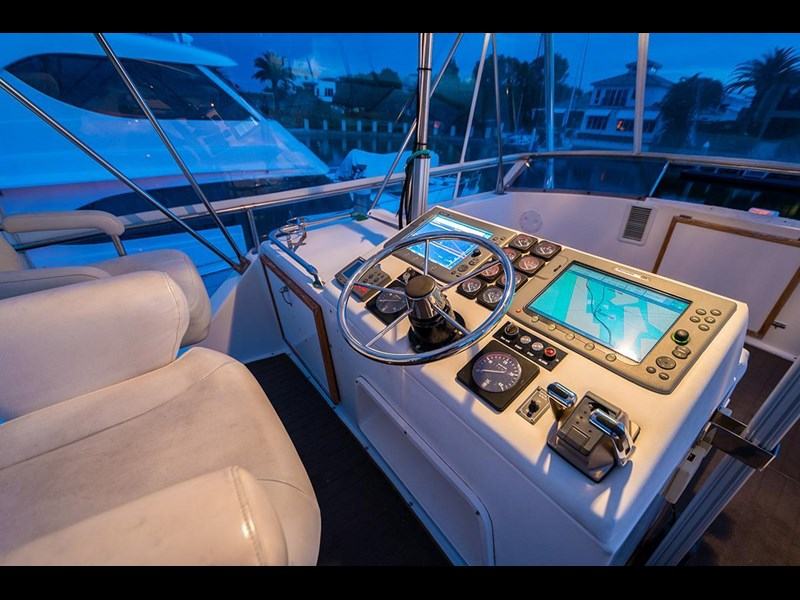 bertram 45' flybridge 523932 037