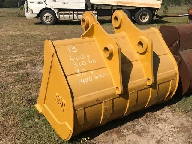 sec batter bucket 1400mm with bolt on cutting edge 427787 005